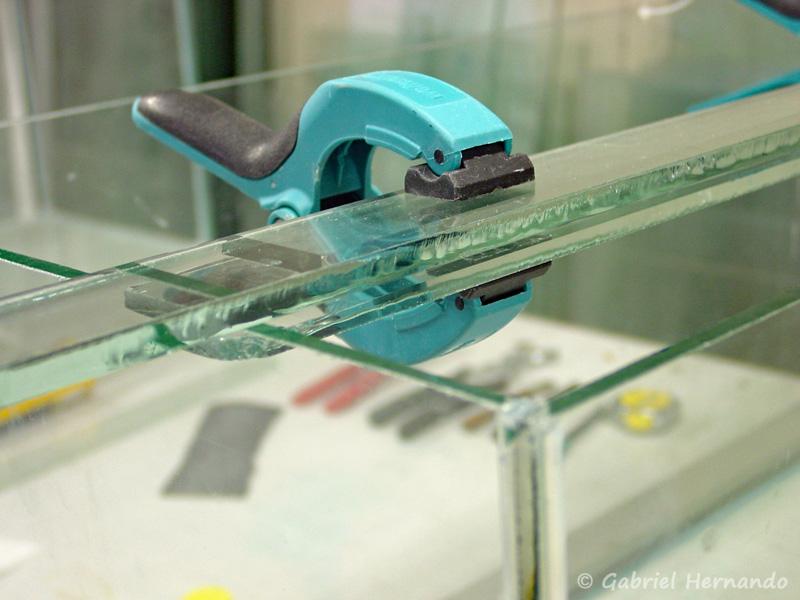 Détail de l'assemblage une fois posé sur l'aquarium