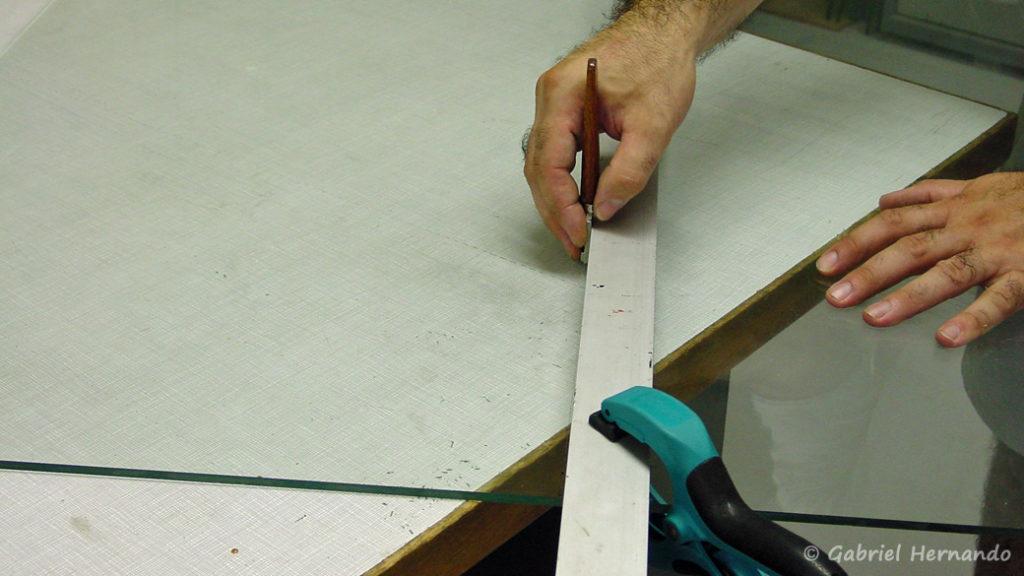 Positionnement du coupe-verre pour une coupe régulière