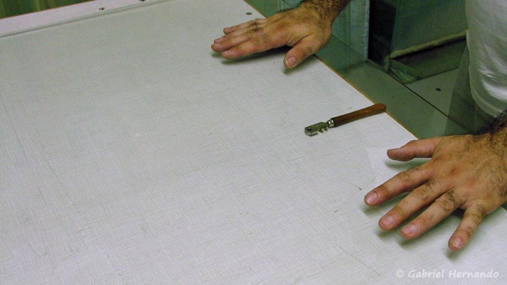 Répartition des efforts de chaque cotés de la rayure