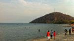 Coline située au sud de la plage de Nkopola